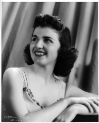 Mary Rose Reichard as Maureen Rosay